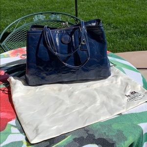 Navy Patented Leather Coach Kiss-lock Bag